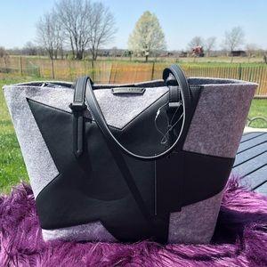 Kendall & Kylie Tote Bag